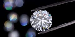 من أين يستخرج الماس وأنواع الماس والصناعات التي يدخل فيها الماس
