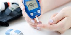 معدل السكر الطبيعي في الدم صائم وفاطر