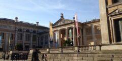 أقدم متحف في العالم والآثار المعروضة به